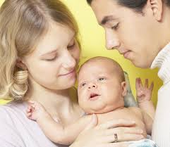 אמא אבא ותינוק