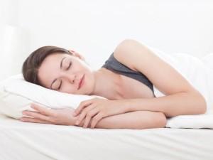 אשה ישנה2